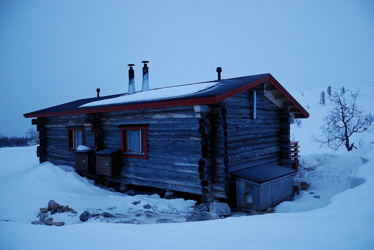 Open  Wildwerness Hut Sioskuru