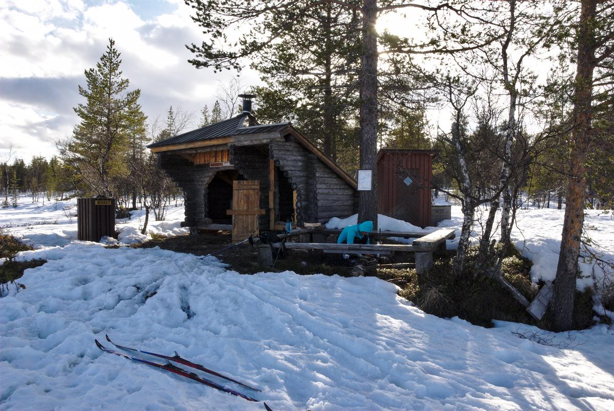 Lean-to shelter at Rautujärvi
