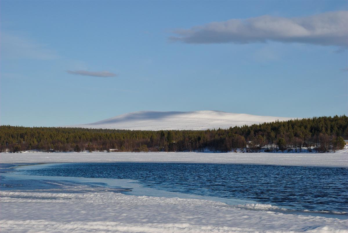 Lake Ounasjärvi and the Pyhäkero fell