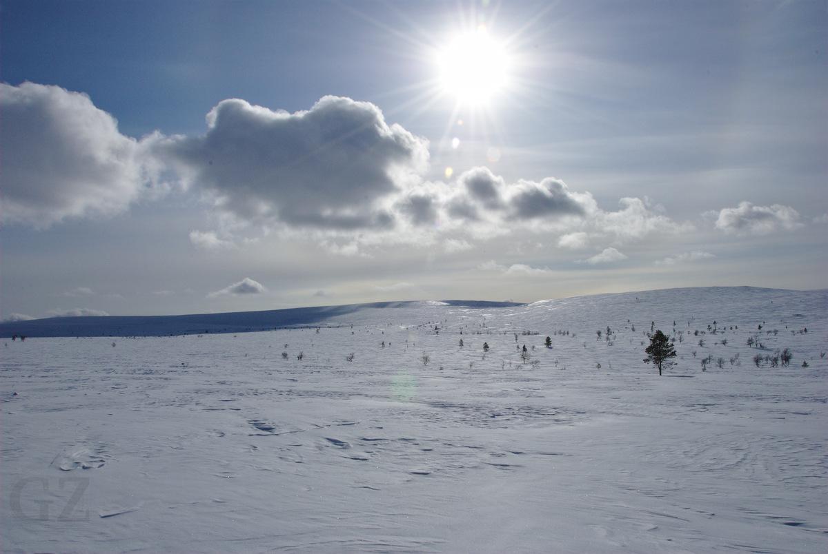Skiing to Hannukuru