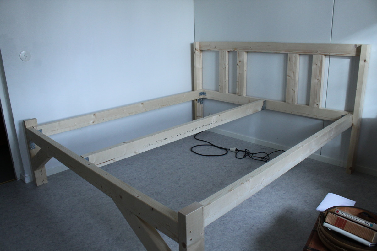 Diy making of a new bed gerald zojer 39 s blog for New bed pics