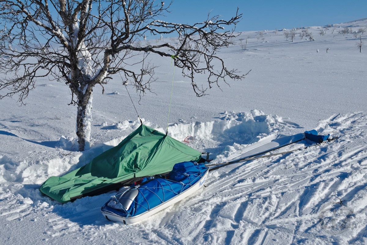 fbivy bag in winter landscape