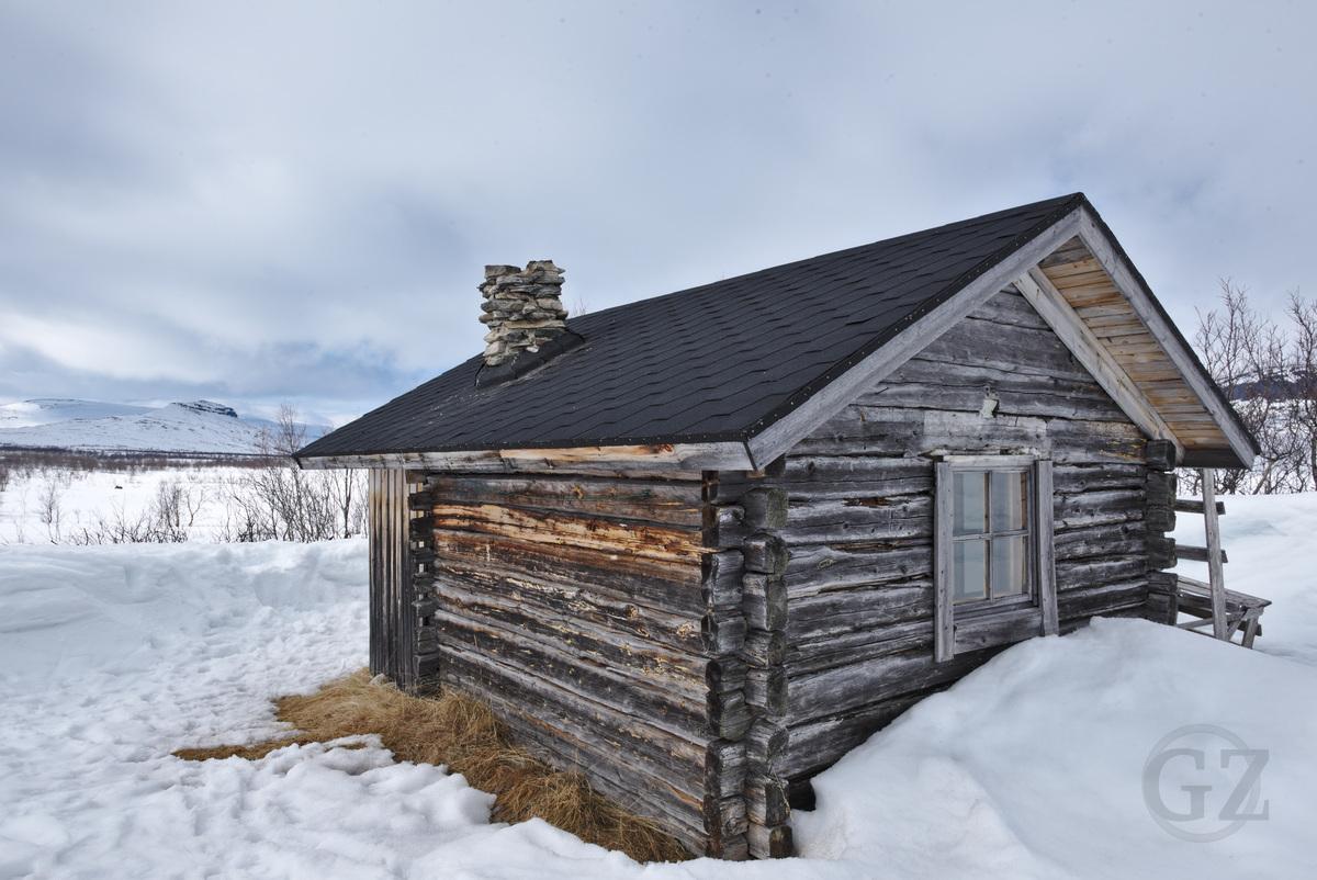 Jogasjärvi open wilderness hut