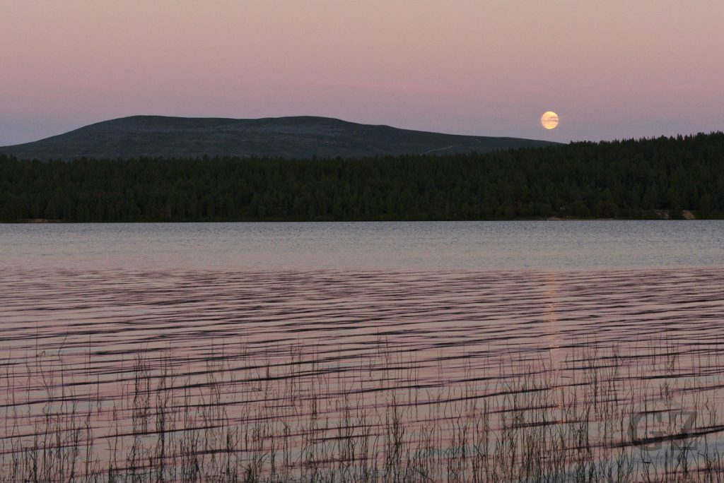 Moon rise over lake Ounasjärvi