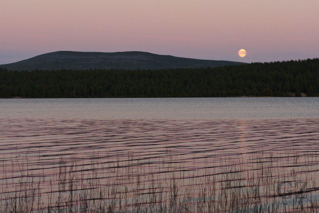 Moon rise over lake Ounasjärvi